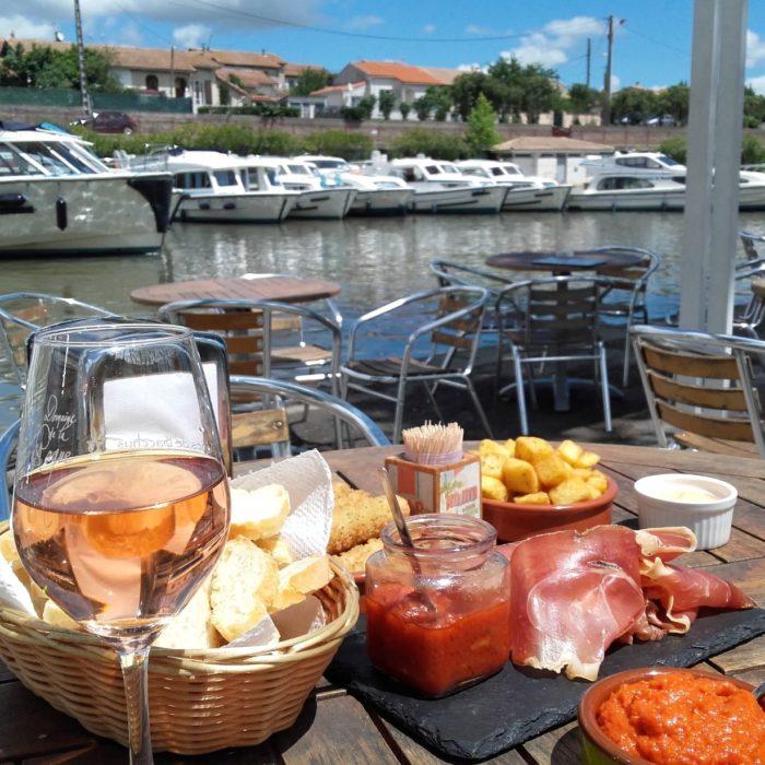 Les restaurants au bord du canal carcassonne aude