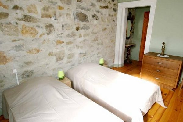 Chambresd-hotes-Cathares-Chambre3-4-ServiesenVal